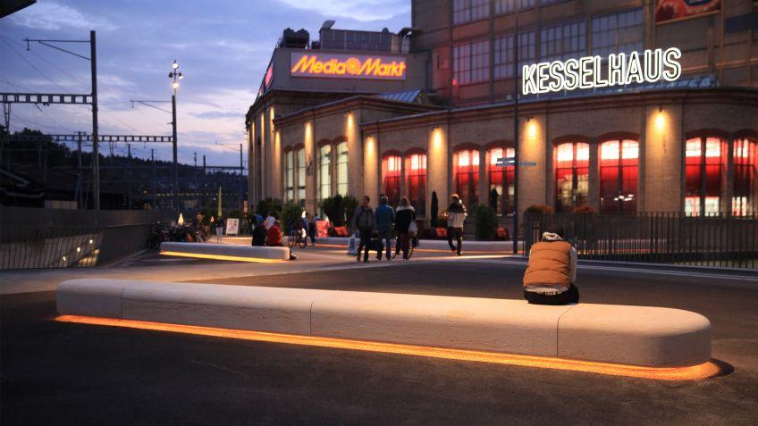 Die  Gleisquerung  am  Bahnhof  Winterthur  wurde  mit  zahlreichen  Public  Elements®  ausgestattet.