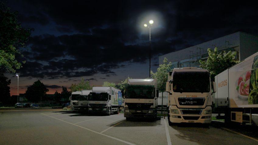 Das  METRO  LED-Leuchtensystem  gewährleistet  Funktionssicherheit  –  z.B.  für  Lastwagenfahrer  der  Migros