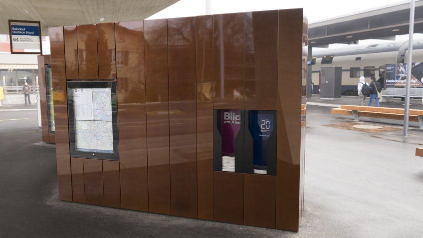 Zeitungsbox  -  Spezialgefertigte  Paravents  für  den  Max-Frisch-Platz  (Bahnhof  Oerlikon)