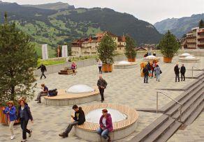 Ruheplatz  mit  Sitzinseln  und  cityGREEN  Banyan  Pflanzentrögen