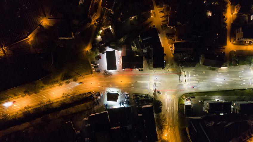 Der  Unterschied  zwischen  herkömmlichen  Leuchten  und  LED-Leuchten  ist  deutlich  sichtbar