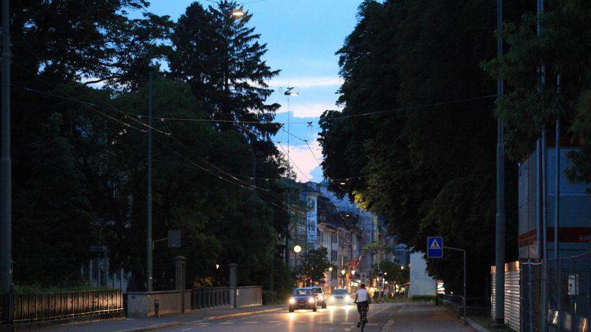 Eine  weitere  Hauptstrasse  in  Winterthur  im  besten  Licht  -  an  der  St.  Gallerstrasse  Nähe  Obertor