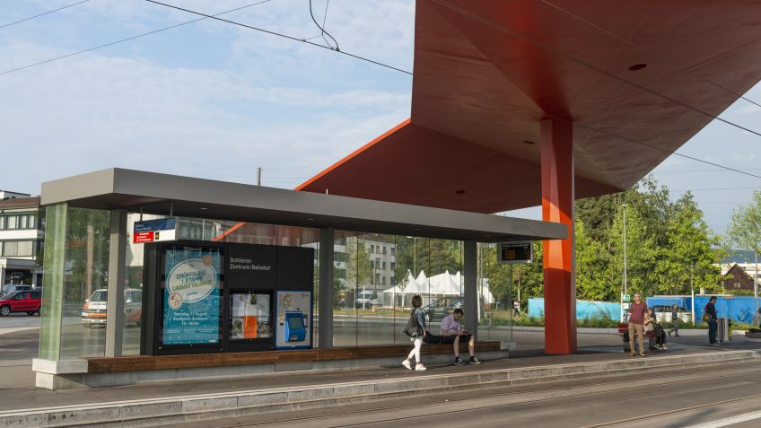 Haltestelle  Schlieren  Zentrum/Bahnhof