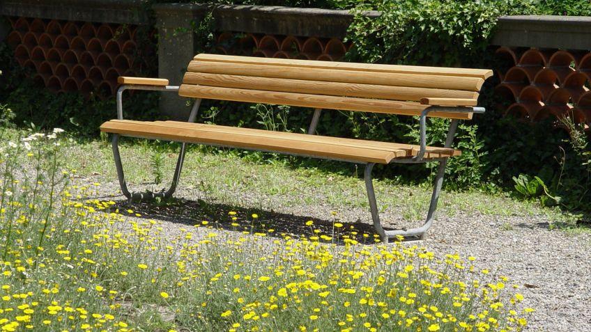 Sie passt in jeden öffentlichen Raum – die Landi Sitzbank