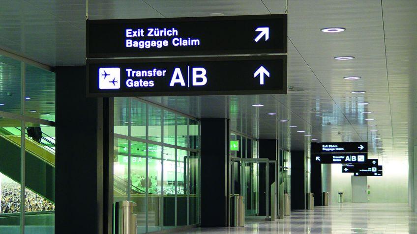 Das  Baukastensystem  Signage  Airport  bietet  eine  grosse  Auswahl  an  Formaten  und  Befestigungsarten.