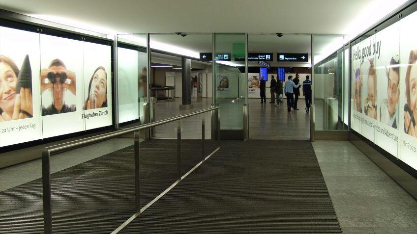 City  Lights  LK  und  Signaletik  im  Kontext,  Flughafen  Zürich