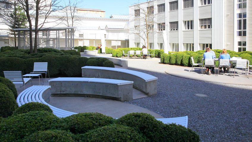 BURRI  02  Produkte  im  Kontext  der  Bühler  AG  in  Uzwil