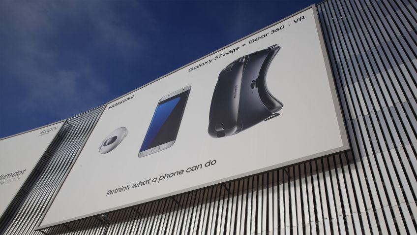 Mit  hochwertigem  feuerverzinktem  Stahl  erfüllt  das  Megaposter  von  BURRI  die  «Rahmenbedingungen»  der  Werbenden.