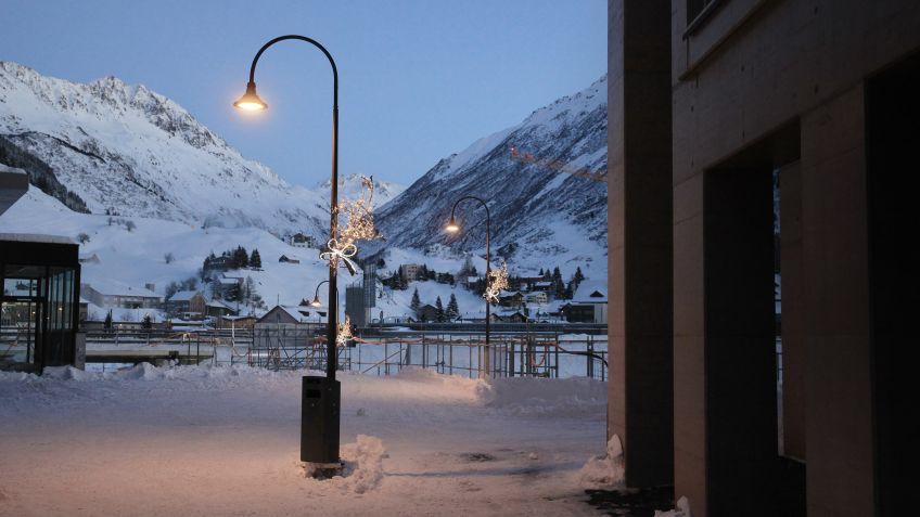 Auch im Winter passt die ALLEY Leuchte optimal