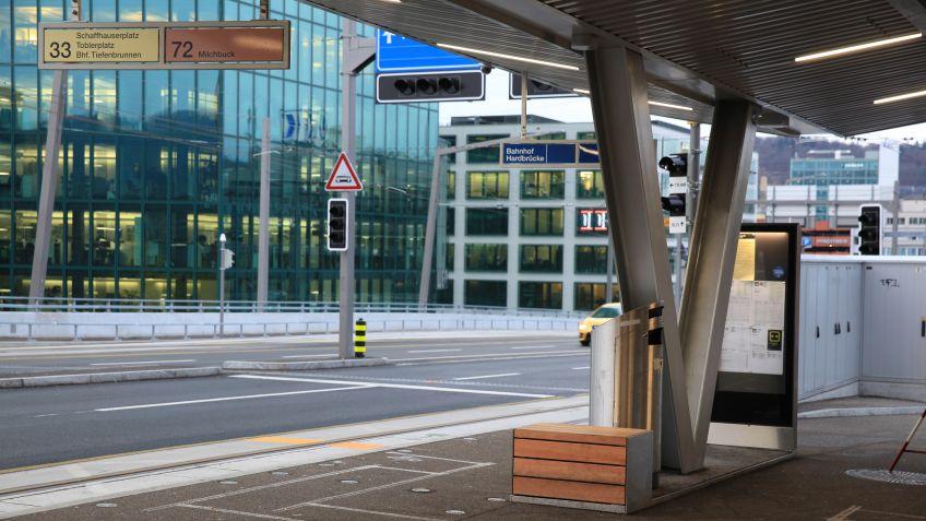 V-Stütze mit Anschlagkasten und Sitzbank