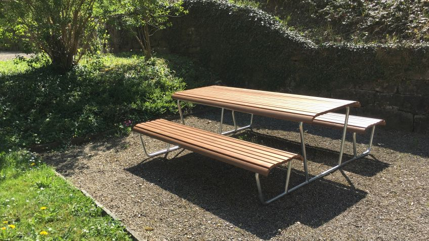 Landi bench-table-bench combination, natwood.