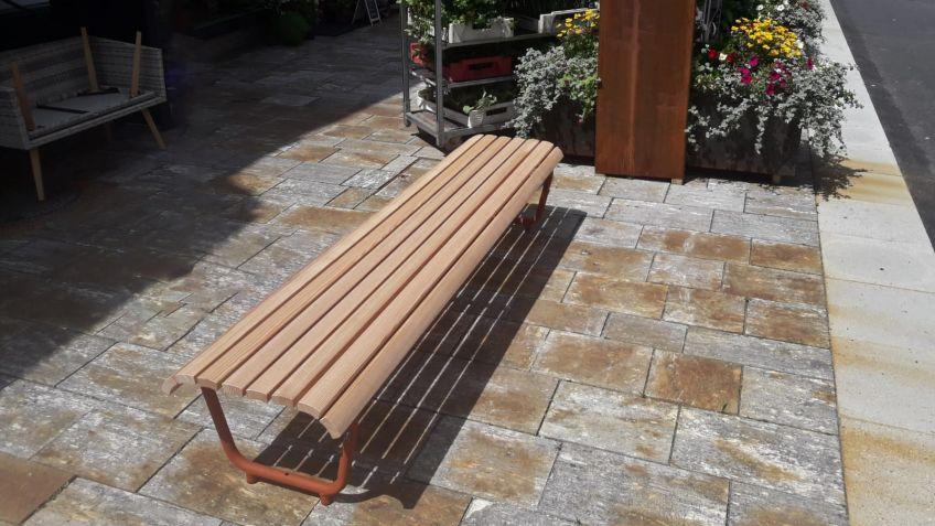 Landi bench with Corten steel look