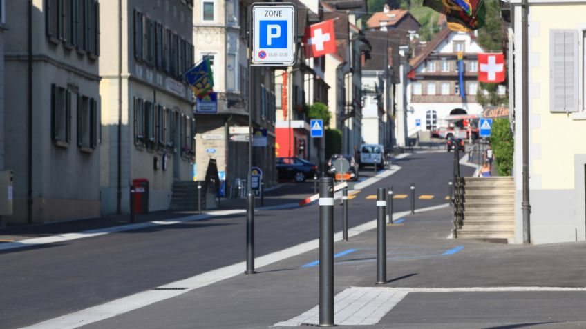 Uni Millennium Absperrpfosten und Verkehrsschildmasten in Berneck