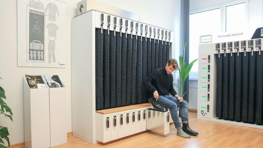Shoe-Rack ermöglicht einfaches Schuhe wechseln im Sitzen