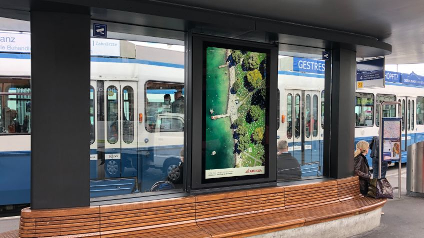 "Digital advertisment (75"" monitor) at the tramway stop Central in midtown Zurich"
