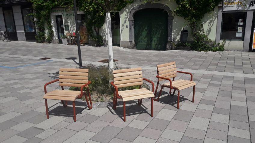 Vivax armchair in larch wood and Corten steel look