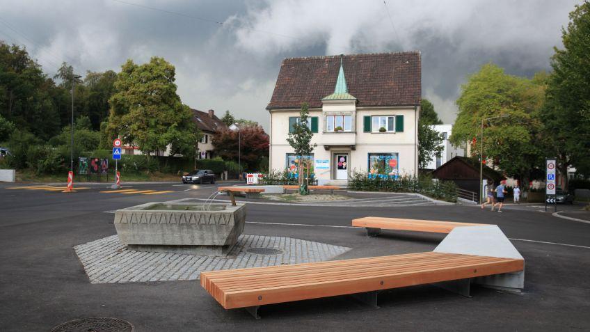Gemütliche Sitzmöglichkeit beim Breiteplatz in Winterthur