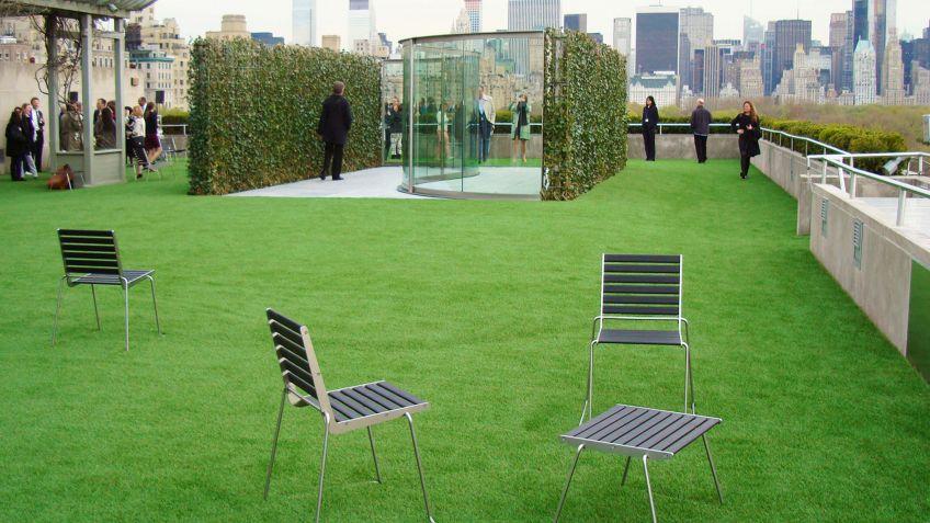 BURRI  02  Stühle  und  Hocker  in  New  York  City.