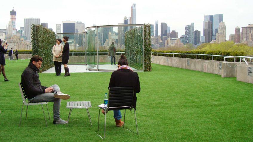Einladend  und  qualitativ  hochwertig:  BURRI  02  Stühle  und  Hocker.