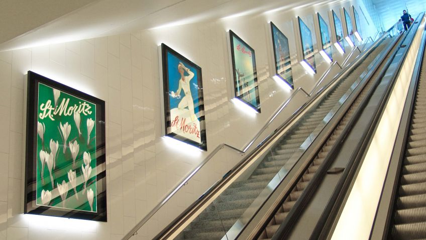 Der  City  Lights  LK  präsentiert  stilvoll  die  Plakatgalerie  im  Parkhaus  Serletta  St.  Moritz.