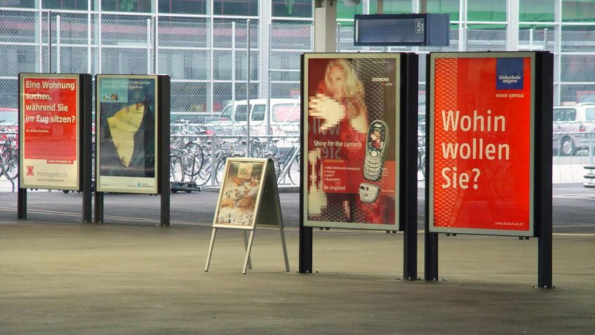 Der  City  Lights  LK  ist  ein  beliebter  Werbeträger  in  Schweizer  Bahnhöfen.