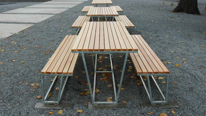 Landscape  Tisch  in  Kombination  mit  der  Sitzbank  ohne  Rückenlehne.