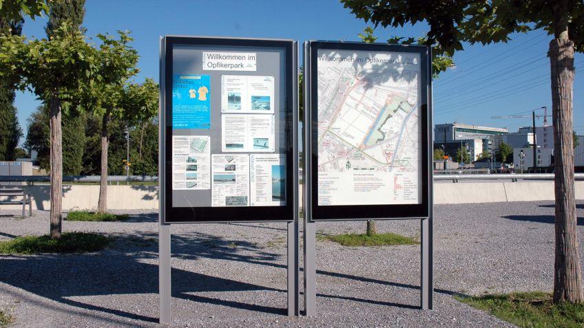City  Lights  AK  mit  Cityplan  und  Informationsblättern  im  Opfikerpark.