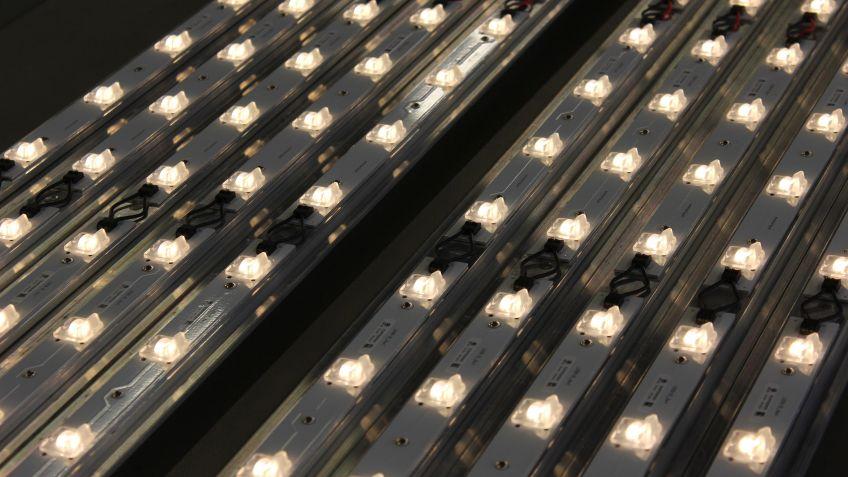 Die  aneinandergereihten  LEDs  der  SHINE  Linearleuchte.