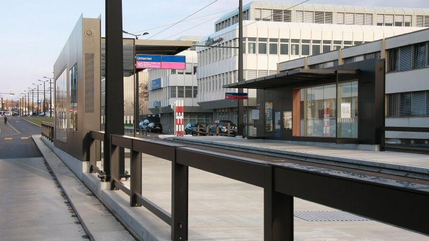 Glattalbahn,  Haltestelleninfrastruktur  Unterriet