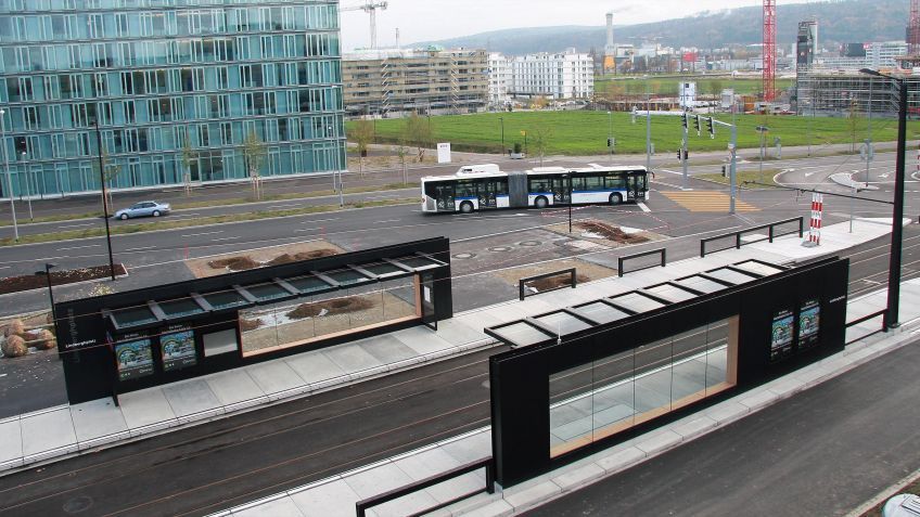 Glattalbahn,  Haltestelleninfrastruktur  Lindberghplatz