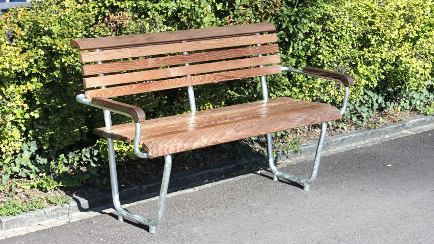 Landi Generation Bench 2-seater – for a cosy chat in twos