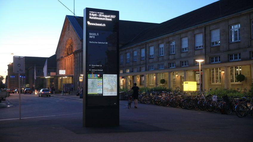 Fortan  besitzt  die  Stadt  Basel  ein  neues  öffentliches  Merkmal  der  BURRI  public  elements  AG.
