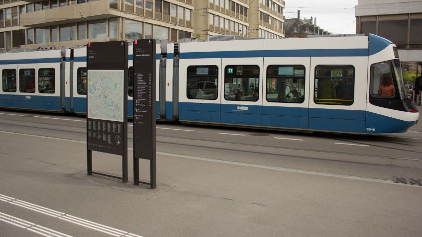 Orientierung  und  Identifikation  in  einem:  Wegleitsysteme  von  BURRI  public  elements.