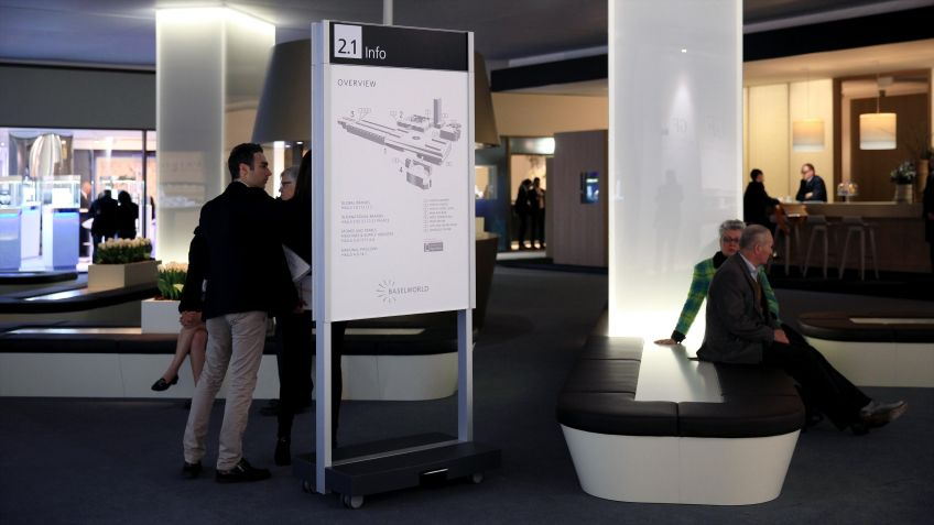 Die  mobile  Indoor  Stele  GO  INFO  ist  Teil  des  von  unit-design  entwickelten  Signaletik-Systems  für  die