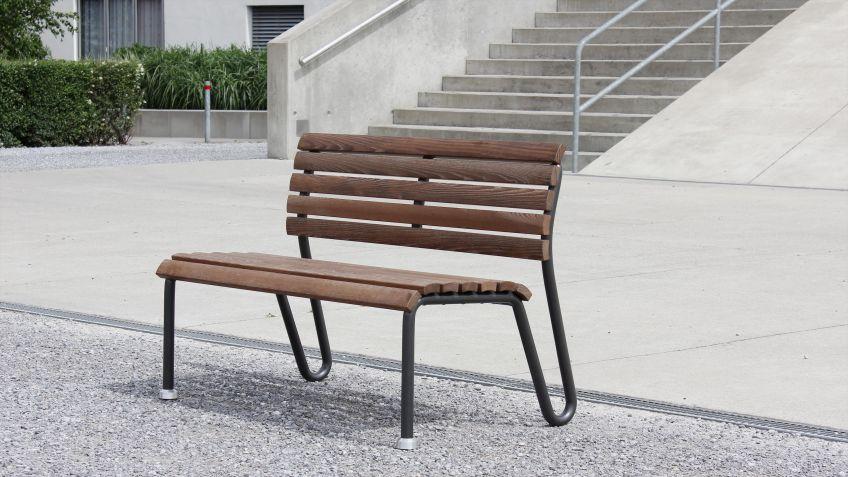 Vivax  Sitzbank  mit  Rückenlehne  in  der  Ausführung  NATWOOD  mit  schwarzem  Gestell.