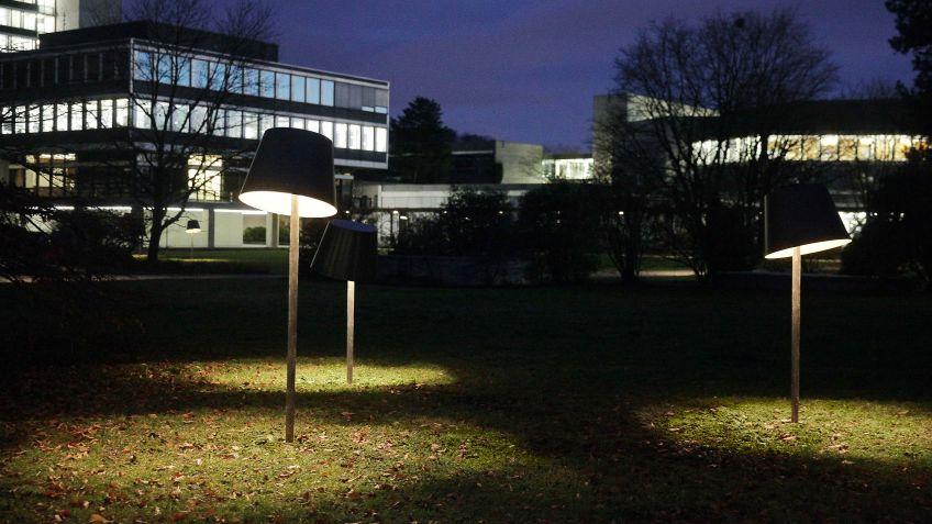 Die  Designleuchte  LIVING  ROOM  von  Reto  Marty  auf  dem  ETH  Campus  Hönggerberg.