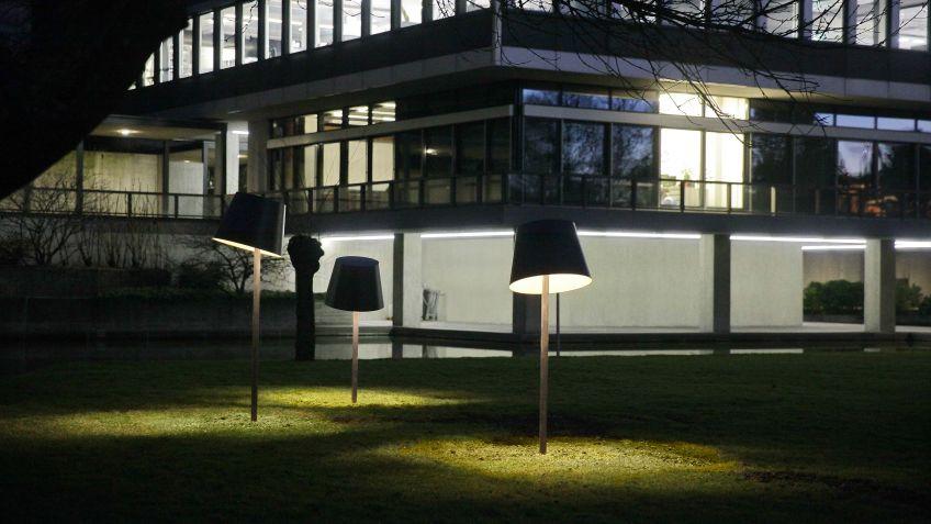 Spezialangefertigte  LED-Stehleuchte,  ETH  Zürich