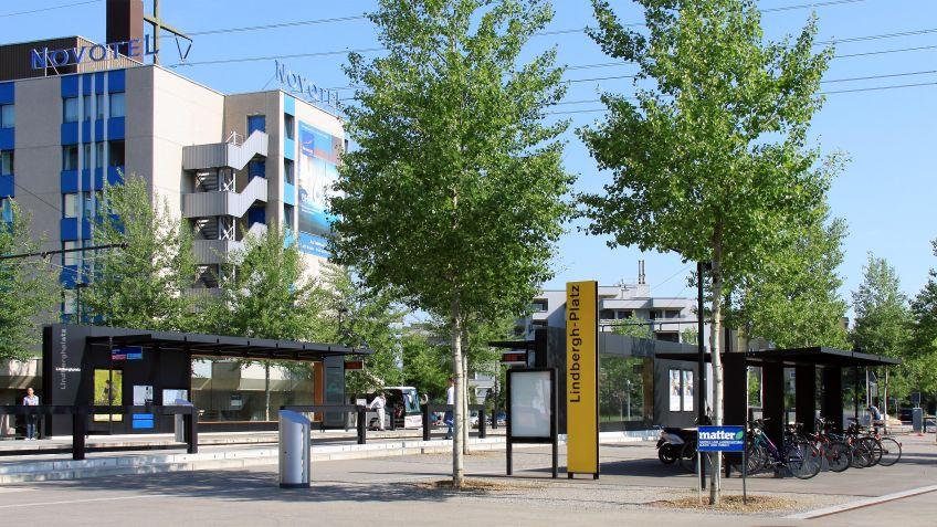 Glattalbahn,  Haltestelleninfrastruktur  Glattbrugg  Lindberghplatz