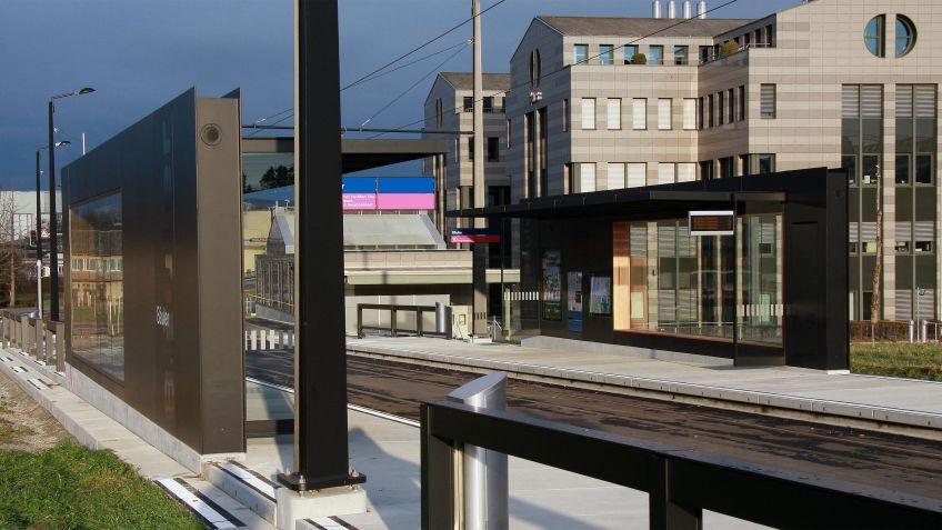 Glattalbahn,  Haltestelleninfrastruktur  Rümlang  Bäuler