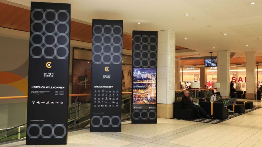 Mehrfach-Funktionalität  und  Corporate  Design  von  BURRI  für  das  Emmen  Center.