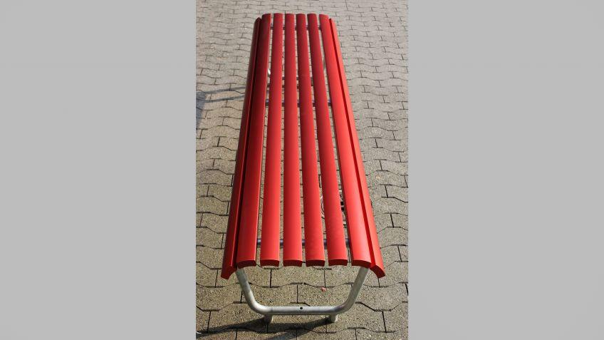 Landi  Sitzbank  mit  Aluminiumlatten  ohne  Rückenlehne