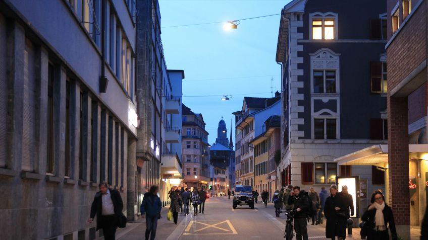 Besonders  in  dichten  Stadtteilen  schätzen  Anwohner  und  Passanten  konzentriertes  Licht.