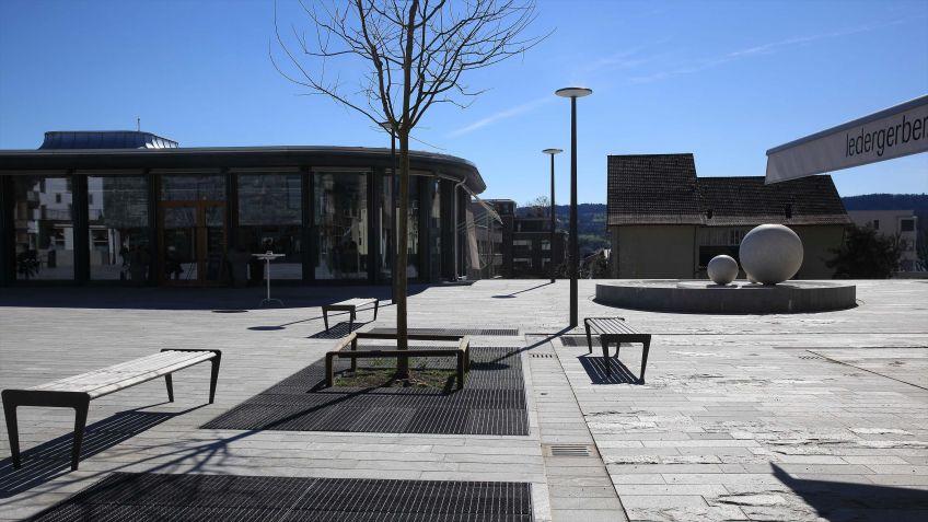 Das  BURRI  Mezzetino  Sitzbanksystem  fügt  sich  problemlos  in  urbane  Umgebungen  ein.