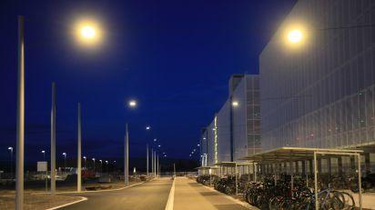 Auf  dem  Roche-Areal  in  Kaiseraugst  werden  METRO  Leuchten  von  BURRI  eingesetzt.