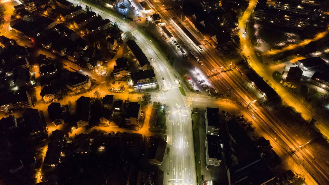 BURRI  METRO  LED-Leuchten  entlang  der  Frauenfelderstrasse  beim  Bahnhof  Oberwinterthur
