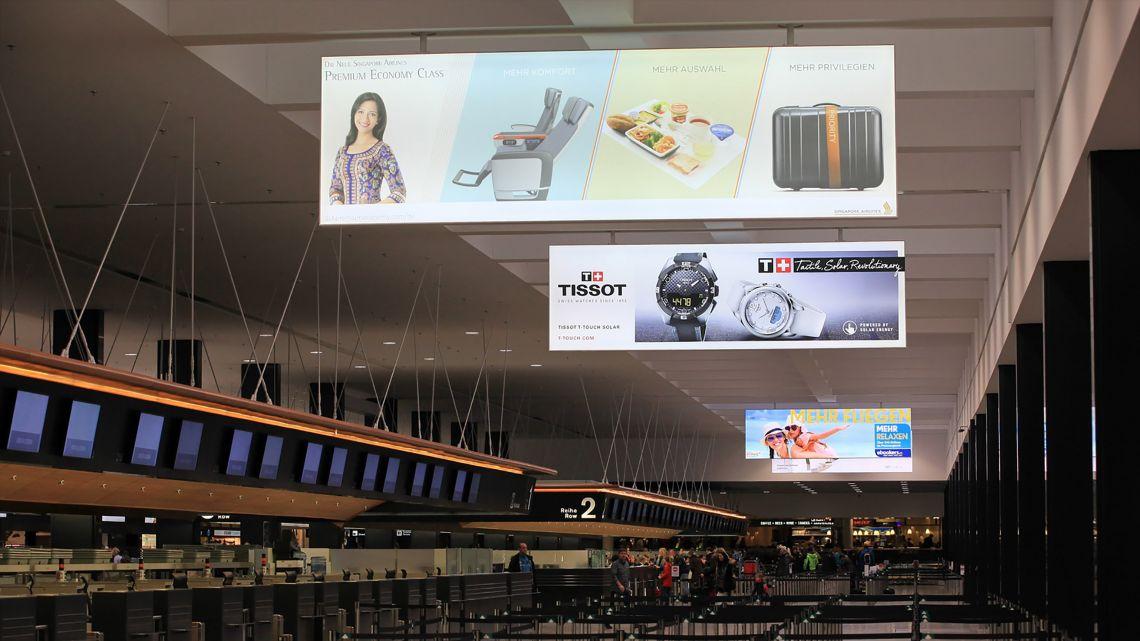 Im  Flughafen  Zürich  hat  BURRI  ein  System  für  Grossleuchtkästen  entwickelt.
