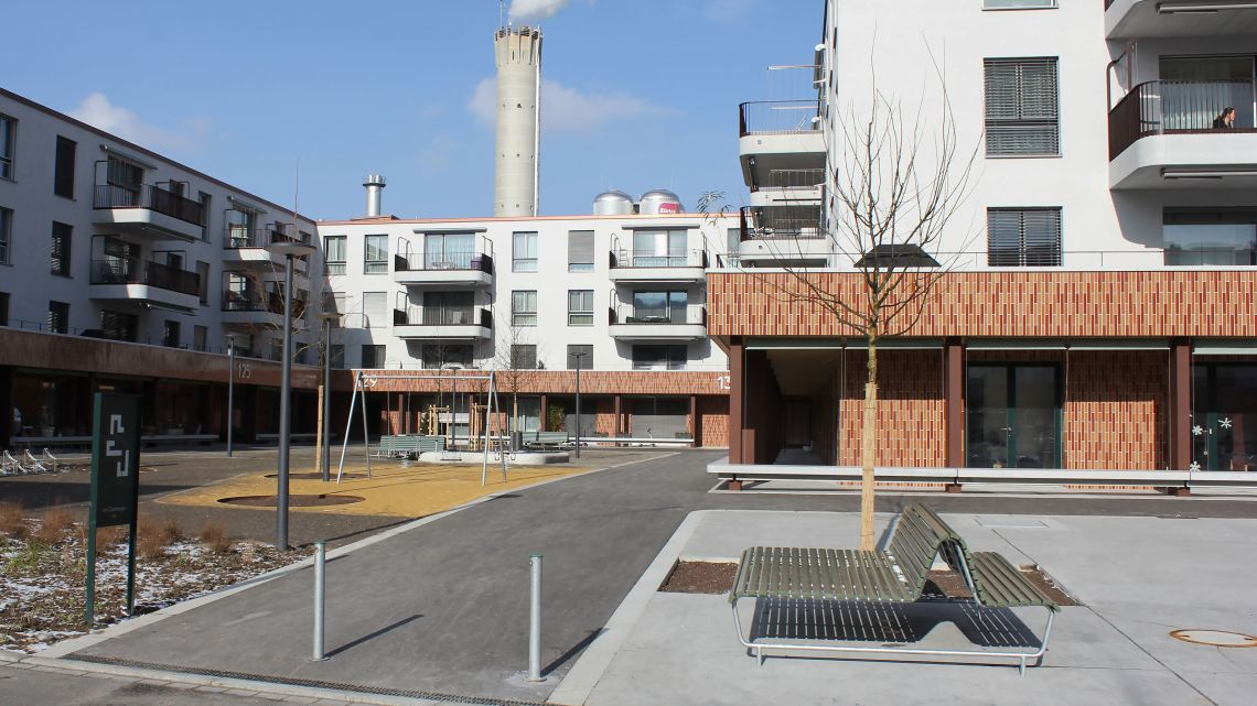 Various Public Elements from BURRI are in place at the Glattbogen development
