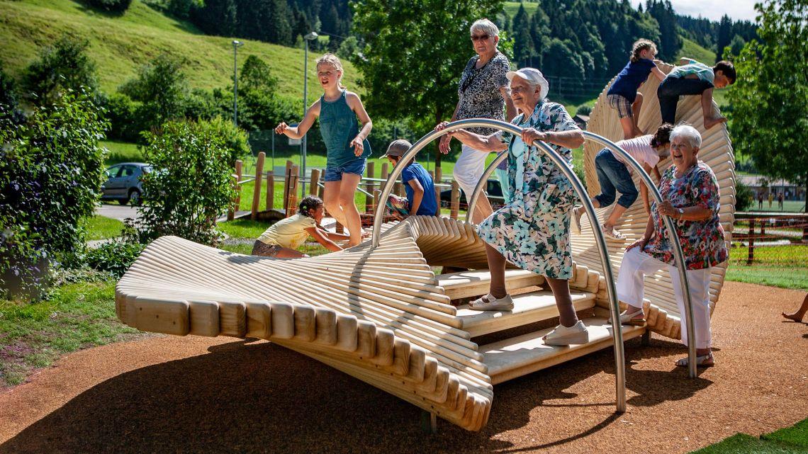 moveART - Senioren können ihr Gleichgewicht und ihre Muskulatur verbessern.